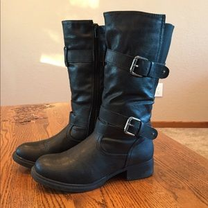Maurices motorcycle black boots.
